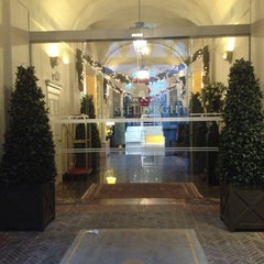 Photo taken at Grand Hotel Casselbergh by Kate M. on 12/10/2012