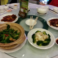 Photo taken at Choi Fook Restaurant 彩福酒家 by Val on 2/3/2014