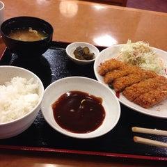 Photo taken at 宮本むなし 阪神西元町駅前店 by Naoki M. on 12/7/2013