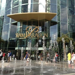 Photo taken at Siam Paragon (สยามพารากอน) by Amer S. on 6/28/2013