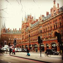 Photo taken at London St Pancras Eurostar Terminal by Antonio B. on 4/19/2013