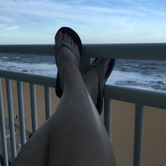 Photo taken at Holiday Inn Va Beach-Oceanside (21st St) by Susie C. on 9/24/2015