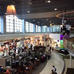 Photo taken at Aeroporto Internacional de São Paulo / Guarulhos (GRU) by Sergio M. on 2/28/2015