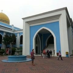 Photo taken at Masjid Al Rahimah Kuala Kubu Bharu by ahmad f. on 5/1/2013