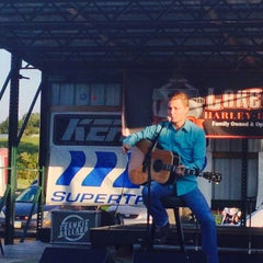 Photo taken at Quaker Steak & Lube® by Patrick S. on 9/17/2014