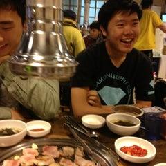 Photo taken at 새마을식당 by Eric Yun K. on 9/6/2013