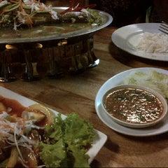 Photo taken at Restoran Sala Thai by JeROngz G. on 11/17/2013