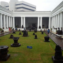 Photo taken at Museum Nasional Indonesia by Kevino D. on 2/14/2013