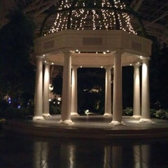 Photo taken at Gaylord Opryland Resort and Convention Center by Wendy Löu W. on 11/22/2012