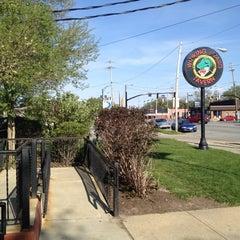 Photo taken at Winking Lizard Tavern by Julian K. on 4/24/2012