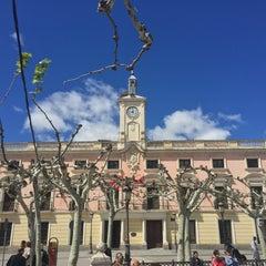 Photo taken at Ayuntamiento de Alcalá de Henares by Maxim V. on 4/24/2016