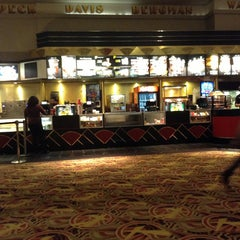 Photo taken at AMC Loews Lincoln Square 13 by KingChris on 1/20/2013