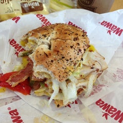 Photo taken at Wawa Food Market #179 by Sharon W. on 2/2/2013