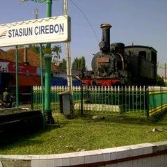 Photo taken at Stasiun Cirebon Kejaksan by Taufan O. on 2/1/2013