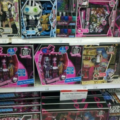 "Photo taken at Toys""R""Us by Hanns O. on 11/18/2011"