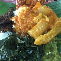 Photo taken at Nasi Padang Kampung Baru by Mashitoh on 11/20/2015