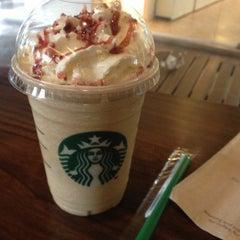 Photo taken at Starbucks (สตาร์บัคส์) by Austin P. on 11/25/2012