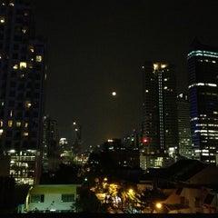 Photo taken at WE Bangkok Hostel by Ivan I. on 1/28/2013