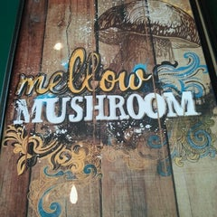 Photo taken at Mellow Mushroom by Kari R. on 10/3/2012