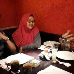 Photo taken at Resto Ngalam by suheri l. on 3/21/2015