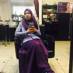 Photo taken at Peek-a-boo Hair Salon by Ainaa on 9/21/2015