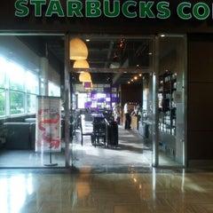 Photo taken at Starbucks by Pablo I. on 1/8/2013