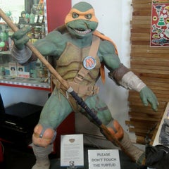 Photo taken at Meltdown Comics and Collectibles by Jerry H. on 5/4/2013