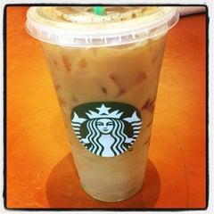 Photo taken at Starbucks by Fernando B. on 6/8/2013