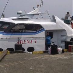 Photo taken at MV. Arena 3 Tg.Pinang-Daik Lingga by Hesta R. on 9/14/2012