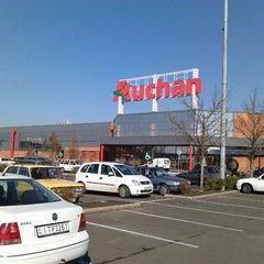 Photo taken at Auchan Fehér tó by Bóna Patrícia👱 on 10/11/2012