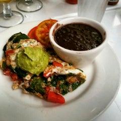 Photo taken at Good Stuff Restaurant by ToeKnee on 8/9/2015