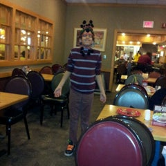 Photo taken at Old Country Buffet by Lynette M. on 1/18/2013
