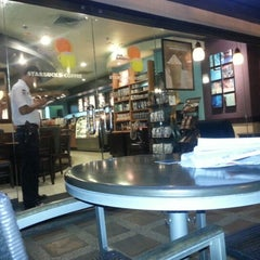 Photo taken at Starbucks Coffee by Erick U. on 10/13/2012