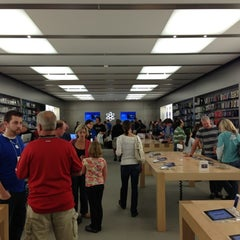 Photo taken at Apple Store, Maine Mall by Ken G. on 10/6/2012