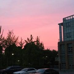 Photo taken at 서울대학교 치과대학 by Jee Eun P. on 7/13/2015