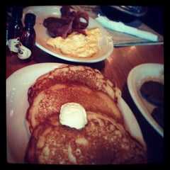 Photo taken at Cracker Barrel Old Country Store by Ryan W. on 4/27/2013