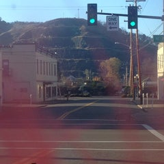 Photo taken at City of Roseburg by Stewy ®. 🕟-10 on 11/26/2015