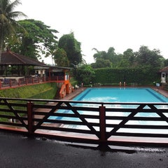 Photo taken at Wisma Kinasih - Kinasih Resort by Taufik H. on 1/18/2014