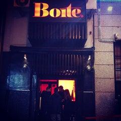 Photo taken at Boite Live by Mari trini G. on 12/20/2012