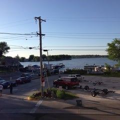 Photo taken at Curly's Waterfront Pub & Grill by Jerad L. on 6/9/2014