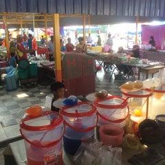 Photo taken at Pekan Sari Padang Tengku by Jamal P. on 7/11/2014