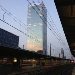 Photo taken at Gare de Bruxelles-Midi / Station Brussel-Zuid by Manon on 10/21/2012