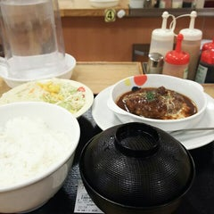 Photo taken at 松屋 枚方店 by ei2ei2_feather on 5/15/2016