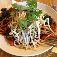 Photo taken at Noodles & Co by kobakeny k. on 1/13/2013