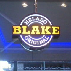 Photo taken at Blake Helado Original by Ariel O. on 1/20/2013