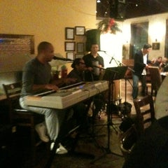 Photo taken at Papi's Cuban & Caribbean Grill by Tre L. on 12/15/2012