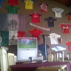 Photo taken at Restaurant Parador De Aurelio by Carlitos A. on 1/30/2013