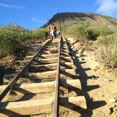Photo taken at Koko Head Crater Trail by Mari M. on 7/10/2013