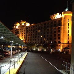 Photo taken at Fitzgerald's Casino and Hotel by Steven B. on 11/23/2012