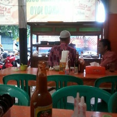 Photo taken at Warung Soto Ayam Solo by Dhys B. on 12/21/2012